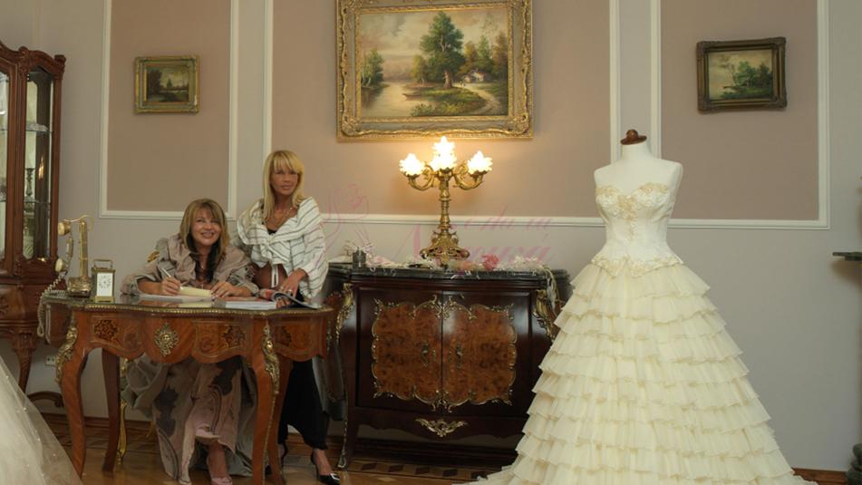 Οίκος Νυφικών Atelier Valentina Exclusive Italia